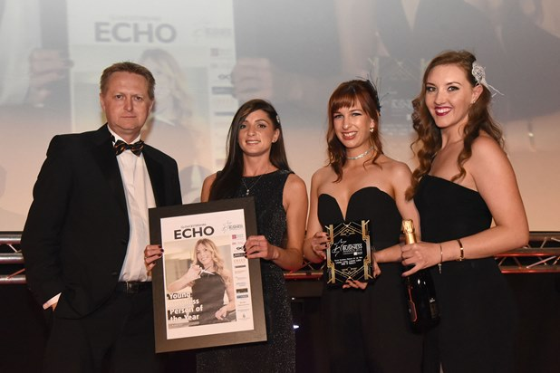 Gloucestershire Echo Business Awards 2016   Chris Pockett presents Jay Manton, Sam Day & Nadine Nolan-Parry of Laura Leigh Hair & Beauty with the Young Business Person of the Year award Address: Cheltenham Racecourse Credit: Rob Lacey Date: 6-10-2016